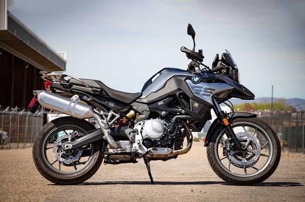BMW-750-(2)
